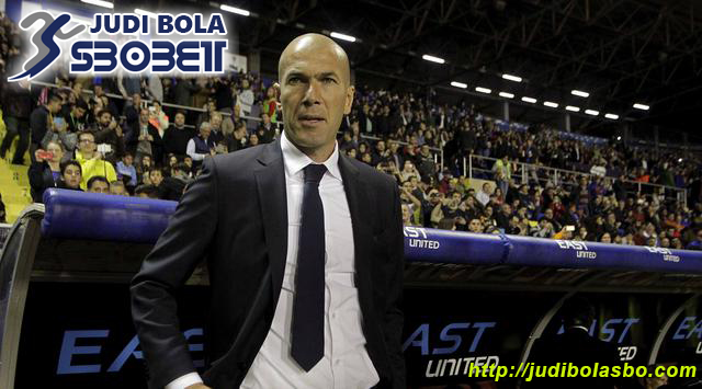 Zidane Yakin Wasit Gomez