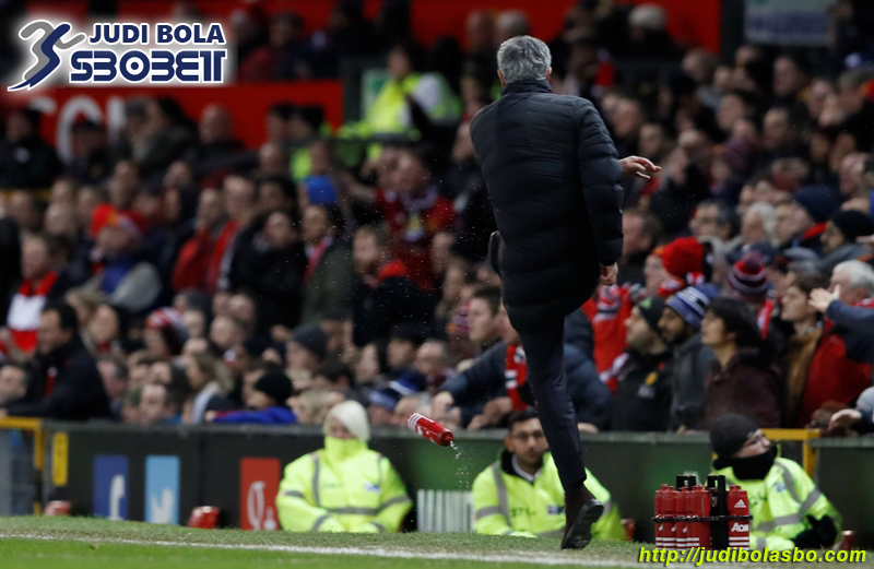 mourinho bikin ulah lagi