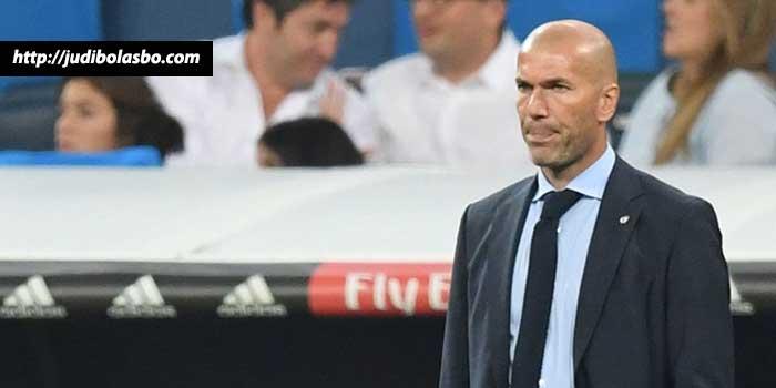 Meski-Gagal-Menang,-Zidane-Tetap-Bela-Real-Madrid